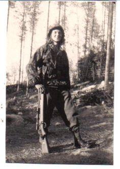 hjmarseille:  Waffen SS sniper.