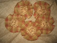 Primitive Fall Flowers/Checked/Bowl Fillers/Ornies #NaivePrimitive #me