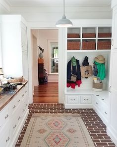 Southern Grace Interiors (@southerngraceinteriors) • Instagram photos and videos Mudroom, Entryway, Southern, Interiors, Photo And Video, Videos, Photos, House, Furniture
