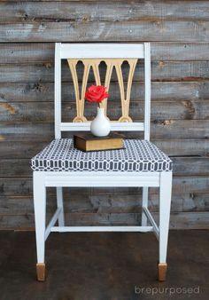 Decorar uma cadeira velha de madeira pode ser a saída para renovar a decoração de seus ambientes