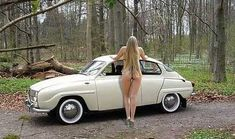 Why always a women next to a car? Without I can enjoy the curves of the car and respectfully for de ladies! Sexy Cars, Hot Cars, Saab Automobile, Vintage Cars, Antique Cars, Car Places, Pin Up, Saab 900, Small Cars