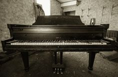 A grand piano left behind in an abandoned house. Given the advanced state of decay in this home, I was surprised at the condision of this piano. Old Abandoned Buildings, Abandoned Places, State Of Decay, Grand Piano, Vintage Music, Urban Exploration, Photo Essay, Ontario, Home