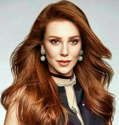 Elçin Sangu (born 13 August is a Turkish actress and model, best known for her leading role Defne in the Star TV romantic comedy series Kiralık Aşk from Jun Beautiful Red Hair, Beautiful Redhead, Prettiest Actresses, Beautiful Actresses, Elcin Sangu, Hair Color Auburn, Extreme Hair, Artists And Models, Hottest Female Celebrities