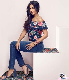 Picture # 60621 of Katrina Kaif with high quality pics,images,pictures and photos. Bollywood Girls, Bollywood Stars, Bollywood Fashion, Katrina Kaif Images, Katrina Kaif Photo, Beautiful Bollywood Actress, Beautiful Indian Actress, Beautiful Women, Cute Celebrities