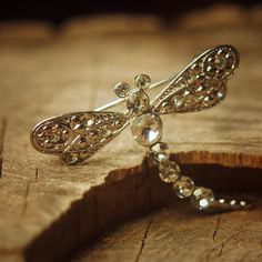 Sparkle dragonfly brooch pin antique styled vintage costume jewelry look fine unique jewellery #5019