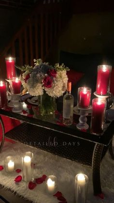 Romantic Dinner Tables, Romantic Dinner Setting, Romantic Dinners, Romantic Home Dates, Romantic Date Night Ideas, Romantic Evening, Romantic Room Surprise, Romantic Birthday, Romantic Room Decoration