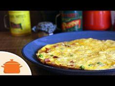 Que tal esse omelete delicioso com bacon , queijo e outros ingredientes? Fazendo em fogo baixo e com frigideira tampada não é necessário virar. Ingredientes:...