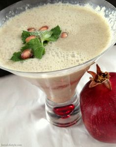 Simple Recipe for Ayurvedic Pomegranate Mint Smoothie.