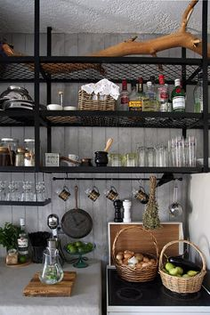 Renovating your kitchen area? Why not use open shelving? 30 photos of this open kitchen rack can be your ideas in decorating your kitchen. Kitchen Wall Shelves, Kitchen Shelf Decor, Kitchen Rack, Industrial Kitchen Design, Open Kitchen, Küchen Design, Design Ideas, Open Shelving, Shelving Ideas