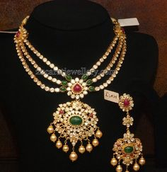 Jewellery Designs: Polki Set with Earrings in 3 Steps, like it but without the drops on the pendant
