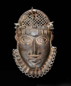 BENIN HÜFTMASKE Nigeria. H 20 cm. Provenance: Estate Swiss-Amsler, chestnut tree.  Galerie Walu, Basel (1964). Expertise: Thermoluminescence dating: about 350 years - See more at: http://www.artauctions.ch/auktionen/alle-auktionen/auktions-objekte/auction/21.06.2008/pointer/2/sort/lot_nummer/mode/1/?no_cache=1&tx_aaacatalogues_pi2%5Bresults_at_a_time%5D=50#sthash.QLsZjHdW.dpufAfrican & Oceanic Art Auctions - Auction Items