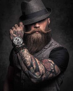 Does your beard hurt? Dry skin and build-up can make your beard feel hard and painful. Beard and Company's all-natural beard care products are made in Colorado and will make your beard soft. Sexy Beard, Beard Love, Crazy Beard, Estilo Hipster, Awesome Beards, Beard Tattoo, Tattoo Man, Hommes Sexy, Beard No Mustache