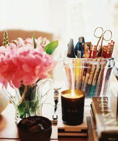 Organizing desk top. So pretty!