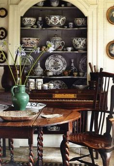 Lasting french country dining room furniture & decor ideas French Country Dining Room, English Country Decor, French Country Decorating, Country Style, Home Interior, Interior And Exterior, Interior Design, Country Interior, Interior Ideas