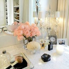Vanity ideas - decorative mirror for perfume