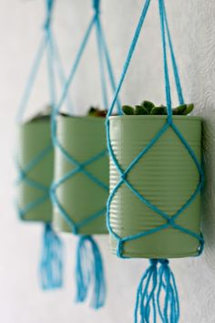 35 Creative DIY Ideas With Tin Cans DIY Ideas With Tin Cans – Tin Can Hanging Planters – Cheap and Easy Organizing Projects and Crafts Made With A Tin Can – Cool Teen Craft Tutorials and Home Decor Upcycled Crafts, Tin Can Crafts, Crafts To Make, Crafts With Tin Cans, Soup Can Crafts, Wood Crafts, Diy Crafts Home, Diy Cans, Decor Crafts
