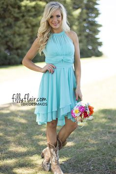 The perfect combination for your country wedding! We love this bridesmaid dress with boots!