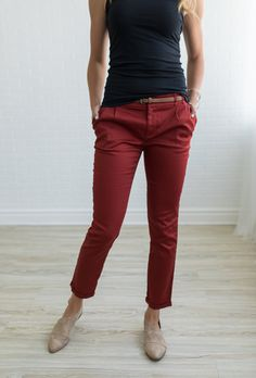 Who doesn't love a good pair of Chinos? These Chinos are this season's must-have pair of pants!