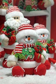 I Love Christmas Mary Christmas, Christmas Sewing, Christmas Colors, Christmas Snowman, Christmas Time, Christmas Wreaths, Christmas Ornaments, Halloween Wood Crafts, Xmas Crafts