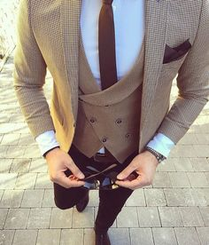 Mens Fashion – Designer Fashion Tips Blazer Outfits Men, Stylish Mens Outfits, Men Blazer, Gentleman Mode, Gentleman Style, Rugged Style, Wedding Dress Men, Wedding Suits, Blazer For Men Wedding