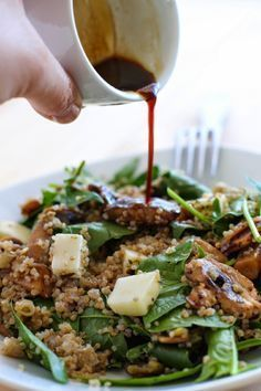 Quinoa con Espinaca, Champiñones y Queso de Cabra - El Sabor de lo Bueno Veggie Recipes, Real Food Recipes, Vegetarian Recipes, Cooking Recipes, Healthy Recipes, Salada Light, Salade Healthy, Healthy Cooking, Healthy Eating
