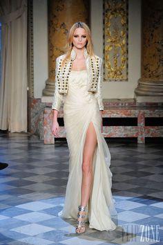 Zuhair Murad - Couture - Spring-summer 2010 - http://www.flip-zone.net/fashion/couture-1/fashion-houses/zuhair-murad-3146 - ©PixelFormula