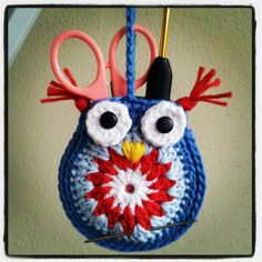 Owl holder, For the original pattern, http://bunnymummy-jacquie.blogspot.nl/2013/01/easy-crochet-owl-tutorial.html