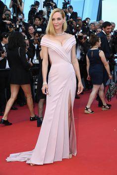 Charlotte Gainsbourg en minirobe : une effrontée sur les...