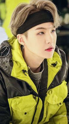 Jungkook Van Wayne ' he is also a very dangerous man ' # Misteri / Thriller # amreading # books # wattpad Bts Suga, Kim Namjoon, Min Yoongi Bts, Bts Taehyung, Bts Bangtan Boy, Seokjin, Foto Bts, Daegu, Kpop