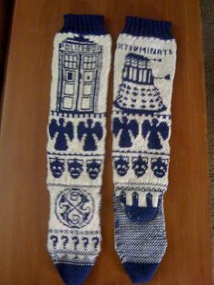 Ravelry: suzannecurrys Doctor Who Fair Isle socks My online friend used all the free Doctor Who knitting charts she could find and put them together into these awesome socks.  Awesome, right?!?  If you knit, you really should be on Ravelry.
