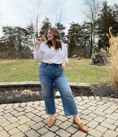 Mom Jeans Outfit Summer, Summer Outfits For Moms, Casual Summer Outfits, Casual Plus Size Outfits, Curvy Girl Outfits, Best Plus Size Jeans, Denim Outfits, Mode Plus, Plus Size Fashion For Women