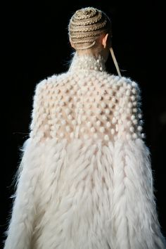 Alexander McQueen   Fall 2014 Ready-to-Wear Collection   Style.com