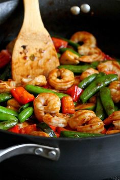 Shrimp, red bell peppers and snap peas being stir-fried in a nonstick skillet. Shrimp and Vegetable Stir Fry with Jasmine…Quick and healthy, with plenty of flavor! 322 calories and 6 Weight Watcher Freestyle SP Shrimp Vegetable Stir Fry, Shrimp And Vegetables, Mixed Vegetables, Vegetable Dish, Shrimp Stir Fry Healthy, Stir Fry Vegetables, Seafood Stir Fry, Prawn Stir Fry, Healthy Rice