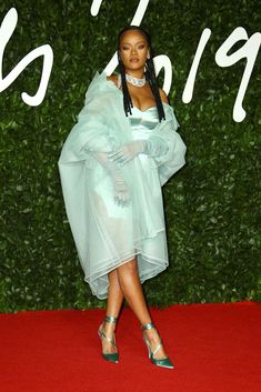 British Fashion Awards 2019 winners: Rihanna wins first Fashion Award British Fashion Awards, Fashion Calendar, Recognition Awards, The New Wave, Royal Albert Hall, Rihanna Fenty, Rosie Huntington Whiteley, Naomi Campbell, British Style