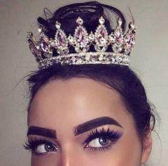 makeup, crown, and eyebrows image