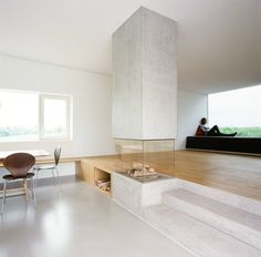 Love the timber floor meeting the concrete floor, also the fireplace effect! :: FIREPLACES :: INTERIORS :: beautiful fireplace design by X Architekten Home Interior, Interior Architecture, Escalier Design, Fireplace Design, Concrete Fireplace, Simple Fireplace, Fake Fireplace, Fireplace Outdoor, Shiplap Fireplace