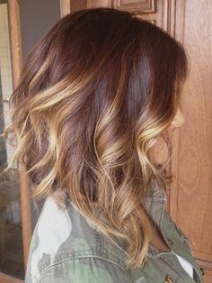 стрижка боб на средние волосы