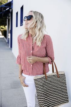 Gingham - a Spring Trend that Always Charms! #gingham  #fashion #fashiontrends #style #springfashion