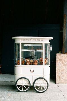 Sigmunds pretzel cart NY