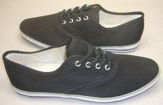 Kangaskengät, koko 39. Väri: Musta tai harmaa Vans Authentic, Keds, Sneakers, Shoes, Fashion, Tennis, Moda, Slippers, Zapatos