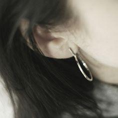 Hoop silver stud earrings. Anna Slezak Jewellery Minimal Jewelry, Simple Jewelry, Modern Jewelry, Jewelry Rings, Jewellery, Geometric Jewelry, Bangles, Bracelets, Anna