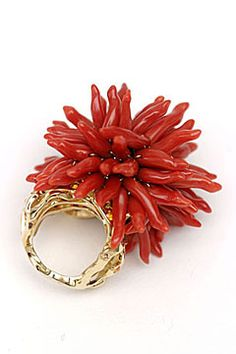 Dior Fine Jewelry - Coral, yellow gold, and sapphire ring