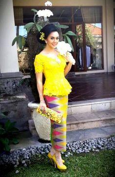 Kebaya-Bali-Modern-dengan-Bawahan-Rangrang.png 303×466 pixels