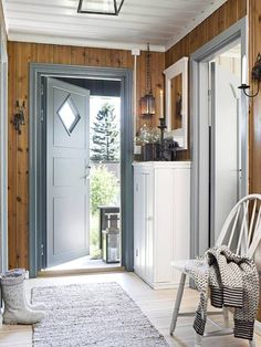 decordemon: A Swedish house in wonderful colors Informations About decordemon: A Swedish cottage in Swedish Cottage, Home, Scandinavian Cabin, Cottage Style, Cottage Interiors, House, Cottage Decor, Scandinavian Cottage, Cabin Interiors