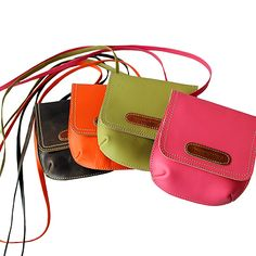 Mini Me - purses by the costa rican brand Cueropapel Getting mine this week <3