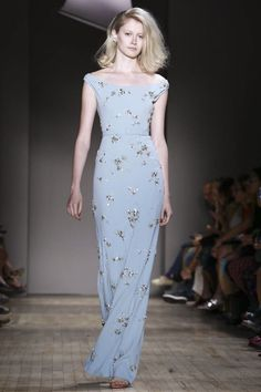 Jenny Packham Ready To Wear Spring Summer 2015 New York Pretty Outfits, Pretty Dresses, Beautiful Dresses, Fashion Show, Fashion Looks, Live Fashion, Fashion News, Fancy Gowns, Spring Summer 2015