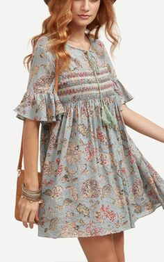 Never thought the peasant dress can rage again. Truely lovely, but how ? Ruffle Sleeve Florals Lace Up Dress from shein.com.