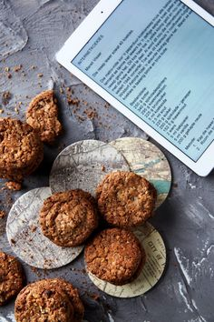 Die resep vir Internetkoekies is in die aanlyn-era net 'n muiskliek weg - gratis op die internet. Hierdie een is egter deeglik getoets in die bakstryd wat van Mareli Visser 'n wenner gemaak het. Biscuit Cookies, No Bake Cookies, Yummy Cookies, Cupcake Cookies, No Bake Cake, Sugar Cookies, Baking Cookies, Milk Bread Recipe, Biscuit Recipe