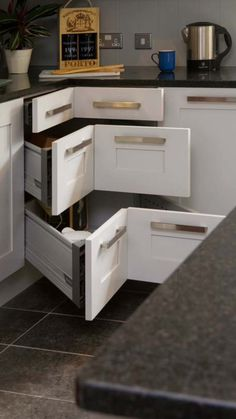 Love the corner drawers