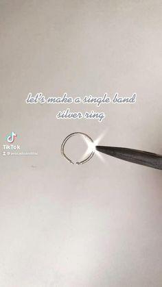 Diy Jewelry Unique, Handmade Wire Jewelry, Diy Crafts Jewelry, Ring Crafts, Bracelet Crafts, Wire Jewelry Rings, Wire Jewelry Designs, Bead Jewellery, Anel Tutorial